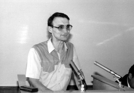 Владимир Горбачёв, депутат Саратовского горсовета и обозреватель газеты «Саратов» (1992 год)