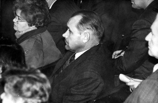 Выборы в Саратовскую областную Думу 1994 года Александр Ландо проиграл Николаю Семенцу. Николай Яковлевич и по сей день – депутат (фото Алексея Хействера).