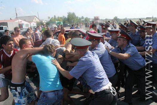 Июль 2013 года: стихийные народные волнения в г. Пугачёв.