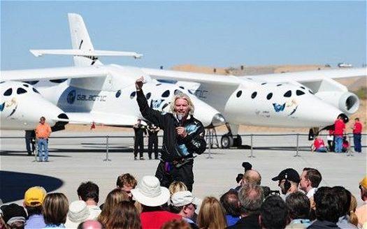 Исполнительный директор компании «Virgin Galactic» Ричард Брэнсон (фото – Frederic J. Brown/AFP).