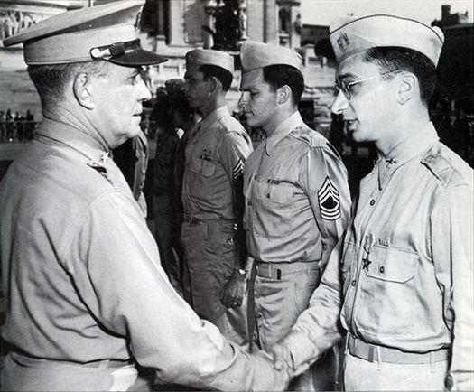 Майор Филипп Корсо (справа), Рим, 1945 год.