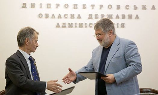 Мустафа Джемилёв и Игорь Коломойский подписали меморандум о сотрудничестве.