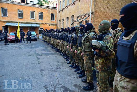 Вторая «порция» добровольцев, зачисленная в спецбатальон «Азов» 18 мая 2014 года.