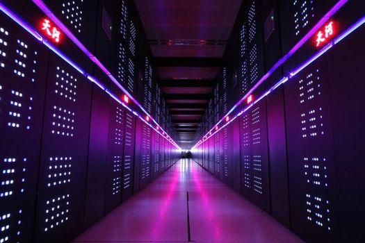 Китайский суперкомпьютер «Млечный путь-2» («Tianhe-2»).