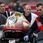7 января 2015 года: раненого после атаки на офис «Charlie Hebdo» госпитализируют.