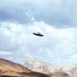 Апрель 1988 года: дисколёт в небе возле озера Пауэлл, штат Юта, США.