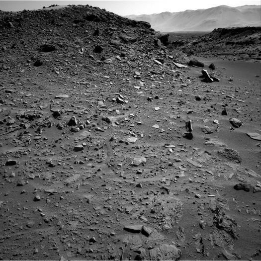 Марс: левитирующий камень.