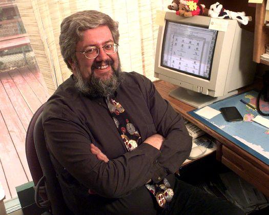 Питер де Джагер (Pete de Jager)  в 1990-е годы в своём знаменитом галстуке с картинками циферблатов часов — творец мифа о «Проблеме-2000»? (photo: Edward Regan/THE GLOBE AND MAIL)/