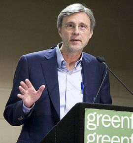 04_Thom_Hartmann_at_2010_Chicago_Green_Fest